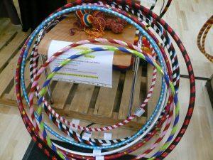 Hula Hoops und Pois