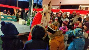 Nikolaus am Weihnachtsmarkt Puchenau